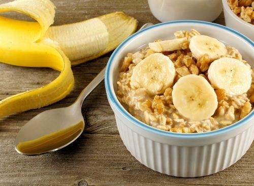 58f1b631da Les bananes sont une source idéale de carburant. Ils sont riches en  glucose, un sucre hautement digestible, qui fournit une énergie rapide, et  leur teneur ...