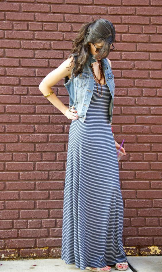 Opções para usar vestido listrado