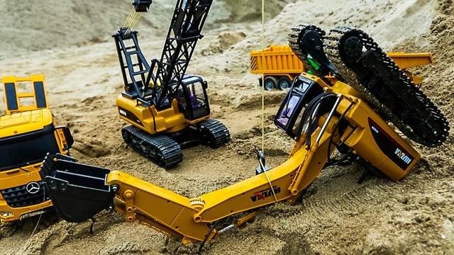 Excavator Truck Toys Working in Construction Toy JCB Crane Machine
