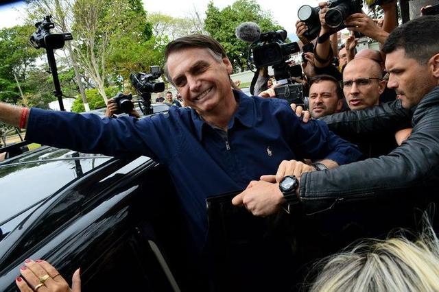 """Bolsonaro no SBT: """"No Brasil, não existe o mais rico"""""""