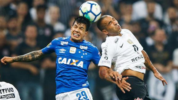 Vamos sentir saudades: os brasileiros que penduraram as chuteiras em 2018
