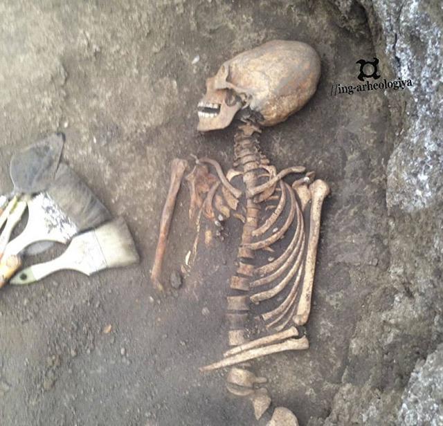 Esqueleto humano com crânio 'alienígena' é Descoberto na Rússia