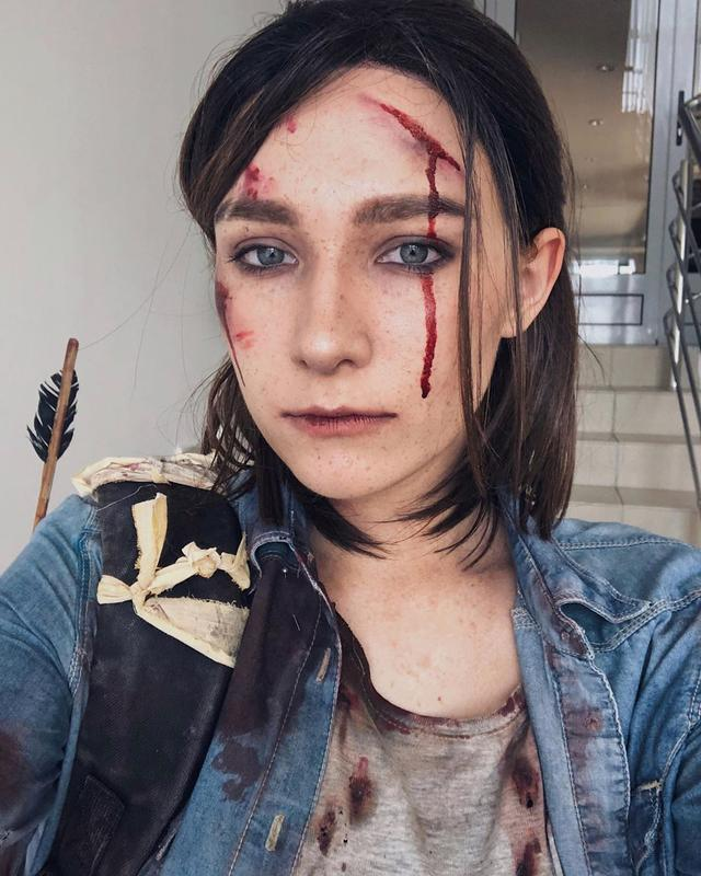 The Last Of Us Part Ii Ellie Cosplay Perfectly Captures The