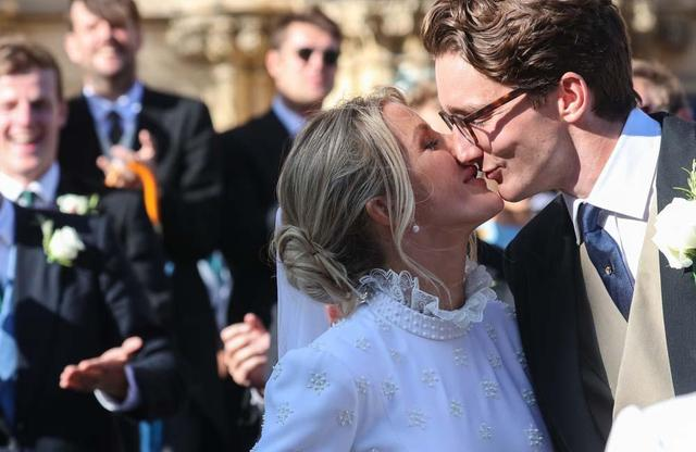 Ellie Goulding Thanks Wedding Guests For Travelling Far And