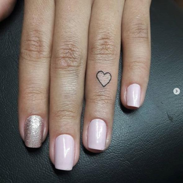 16 Cute Little Heart Tattoos That You Are Going to Want the Same