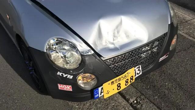 Twitterより投稿者削除動画信号黄色で止まった車を非難し炎上