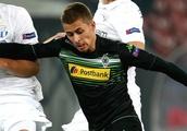 Chelsea remain keen on re-signing Gladbach midfielder Thorgan Hazard