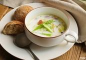 豆乳と白菜のほっこりスープ のレシピ 作り方【365日のパンとスープ】