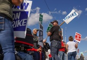 GM-UAW talks suddenly face a deadline after 30 days