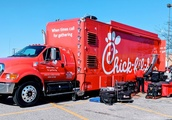Chic-fil-A Makes Surprise Stop In Twelve Oaks Mall Parking Lot For Sandwich Giveaway