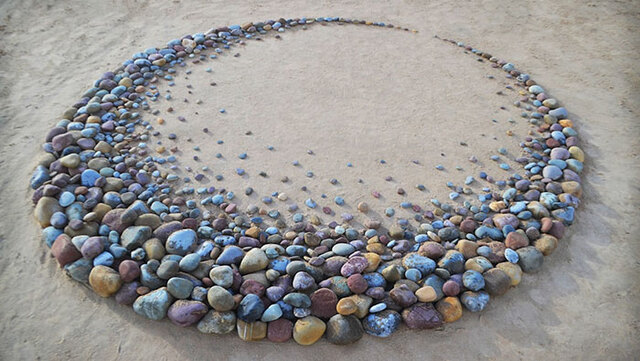 This Artist Collects Rocks And Arranges Them Into Mesmerizing Patterns (30 Pics)
