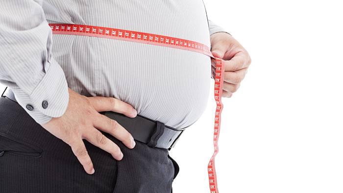 Bauchfett loswerden: Mit diesen 3 Tipps bekommt Mann sein Fett weg
